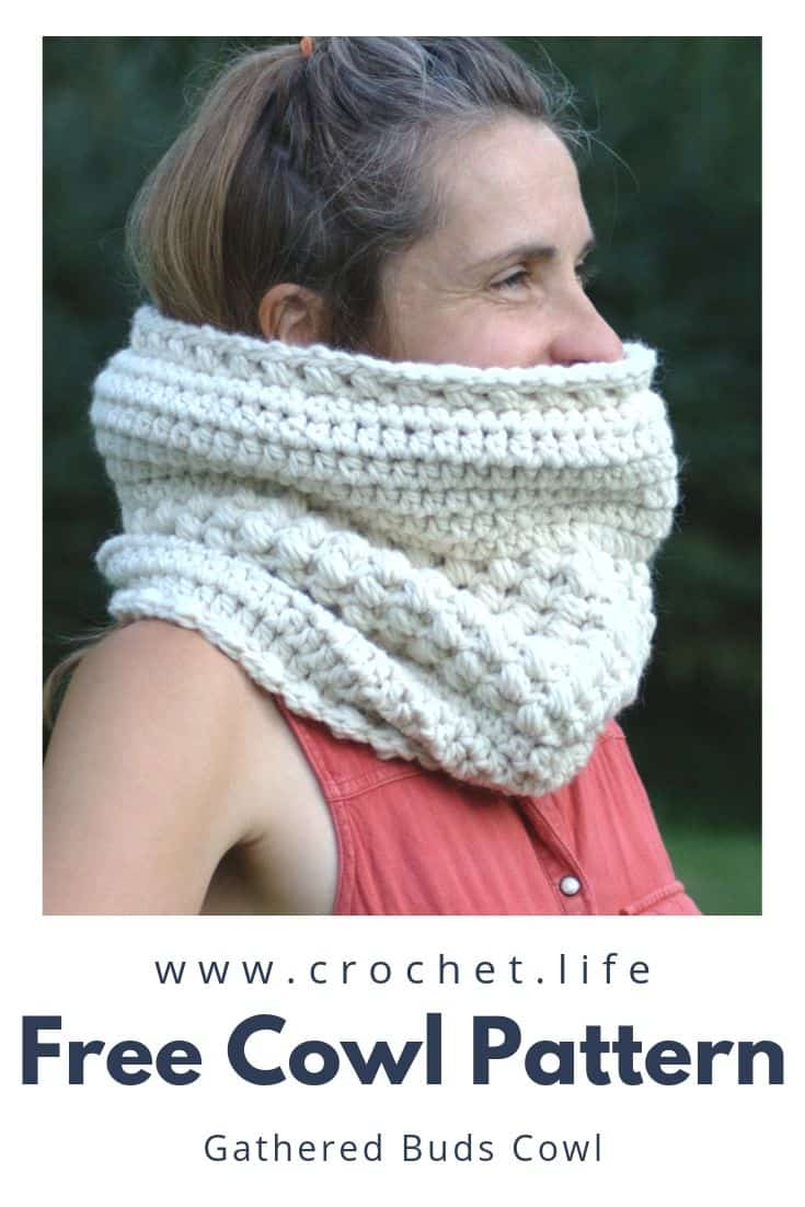 Crochet this Easy Crochet Cowl for yourself or as a gift.