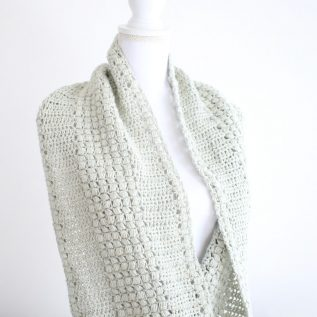 Free Puff Stitch Crochet Scarf. Enchanted Moments Design.