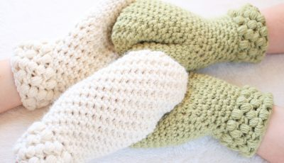 Adorable Gathered Buds Crochet Mittens Pattern is Free.