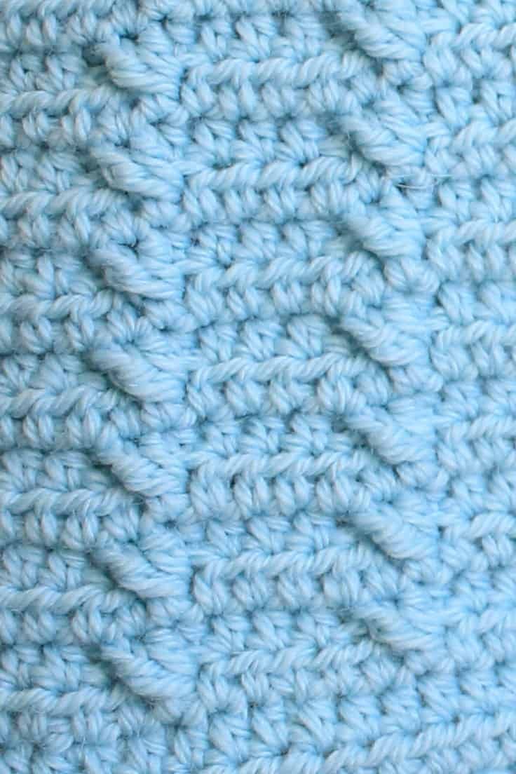 Closeup of the Post Stitches in the Lakeshore Ripples Blanket Pattern